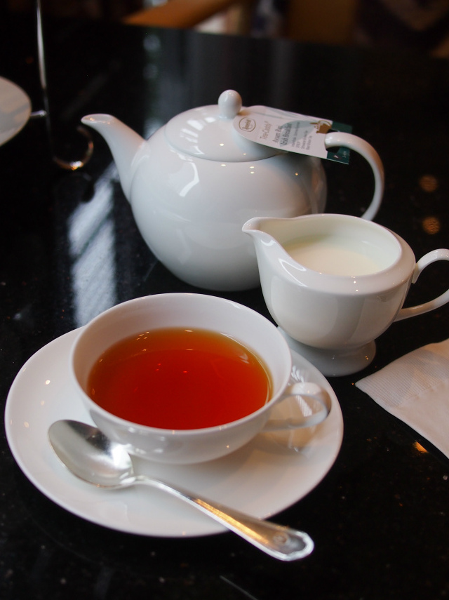 ホテル日航金沢 ロビーラウンジ ファウンテンの紅茶
