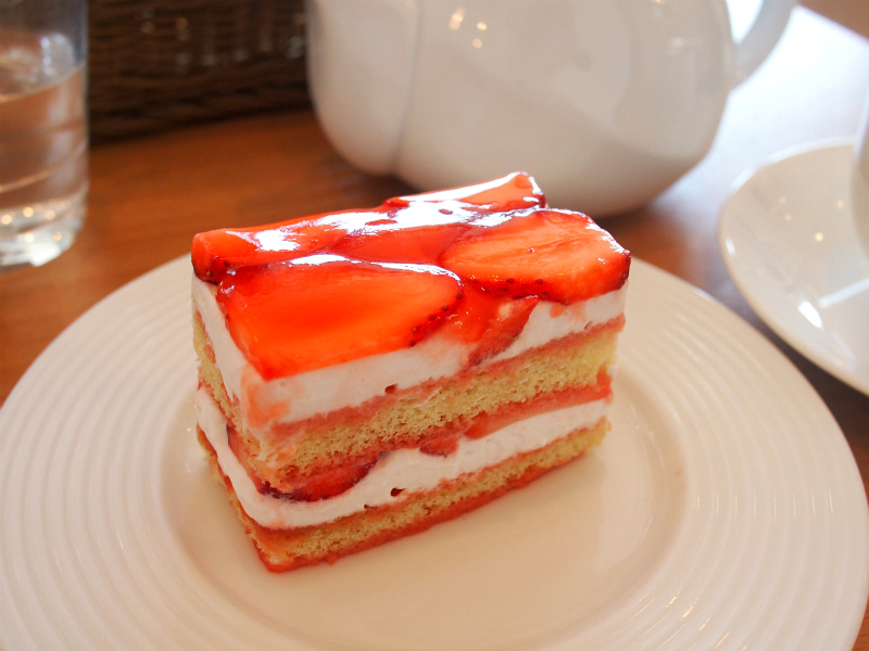 こちらはいちごのショートケーキ。見た目も美しく、とっても美味しかったです。