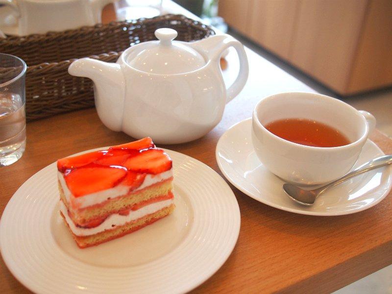 <代官山>とっても美味しいフランス菓子店「パティスリー イル・プルー・シュル・ラ・セーヌ 」サロン・ド・テ・レポート