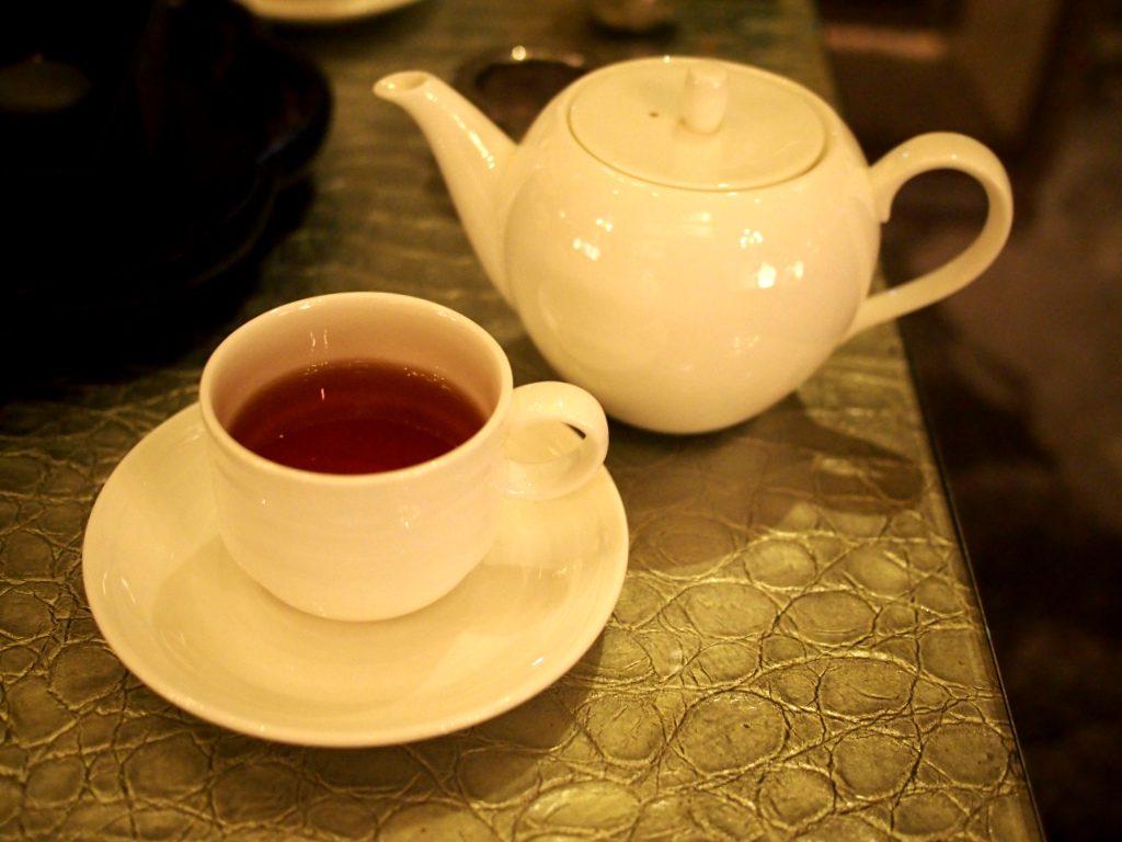 こちらは期間限定さくらんぼ紅茶のスリジエ