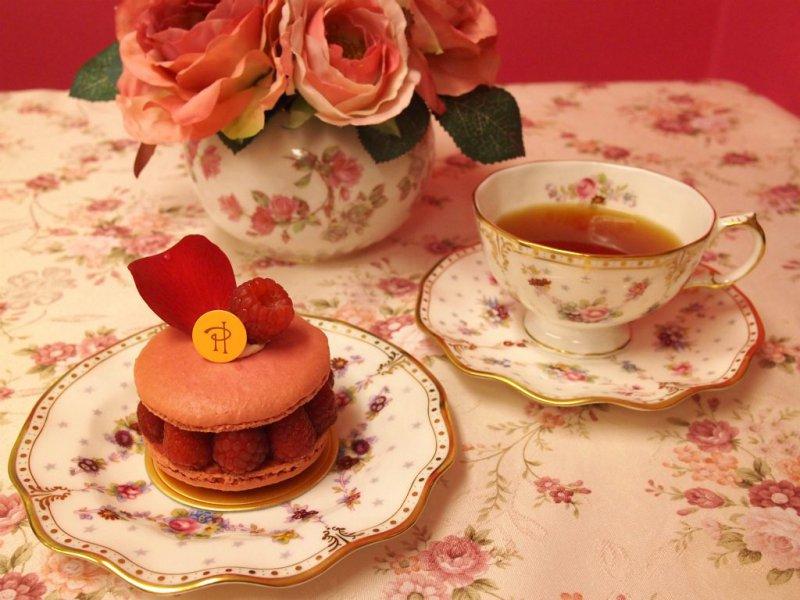 ピエールエルメのイスパハンと紅茶