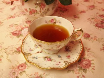 ディンブラはミルクティーにしても美味しい紅茶ですが、今回は最後までストレートで飲みました。