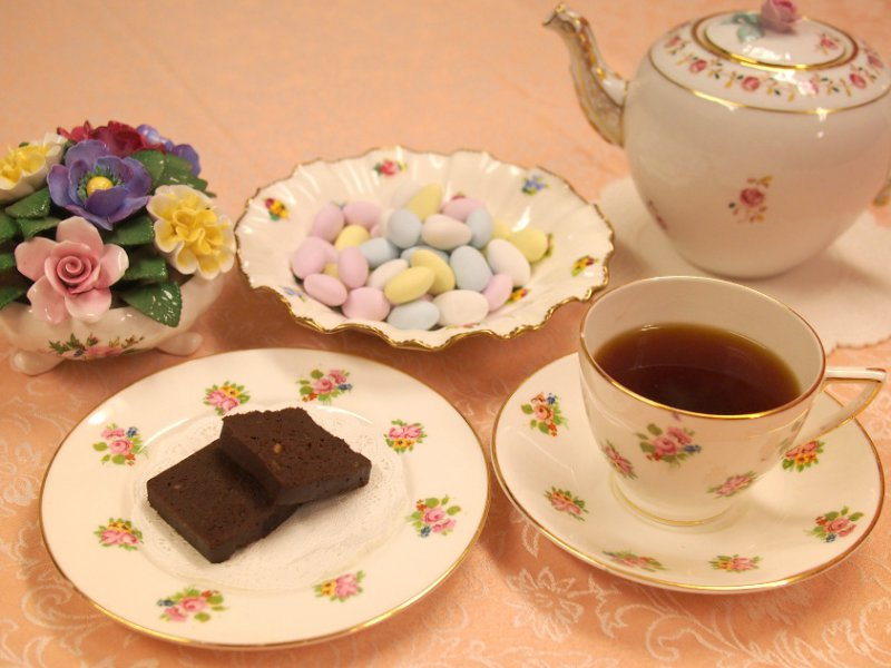 oggiのショコラオランジェとドラジェとウバ