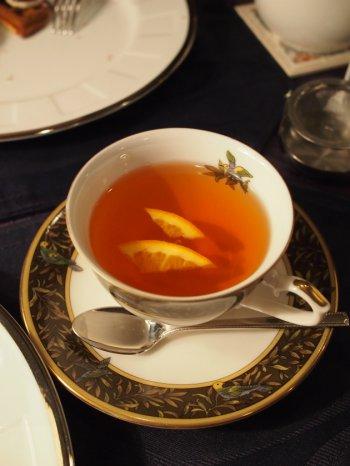 こちらはフルーツティー。ベースの紅茶はダージリンです。