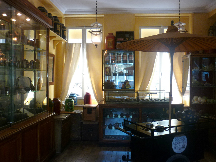 本店の2階には紅茶博物館があります。