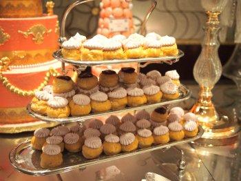 王妃の帽子風ルリジューズ、ラベンダー風味のカシスソース
