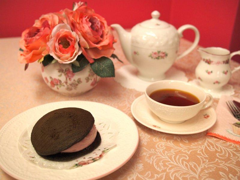 ペコラ生どらカシスクリーと紅茶