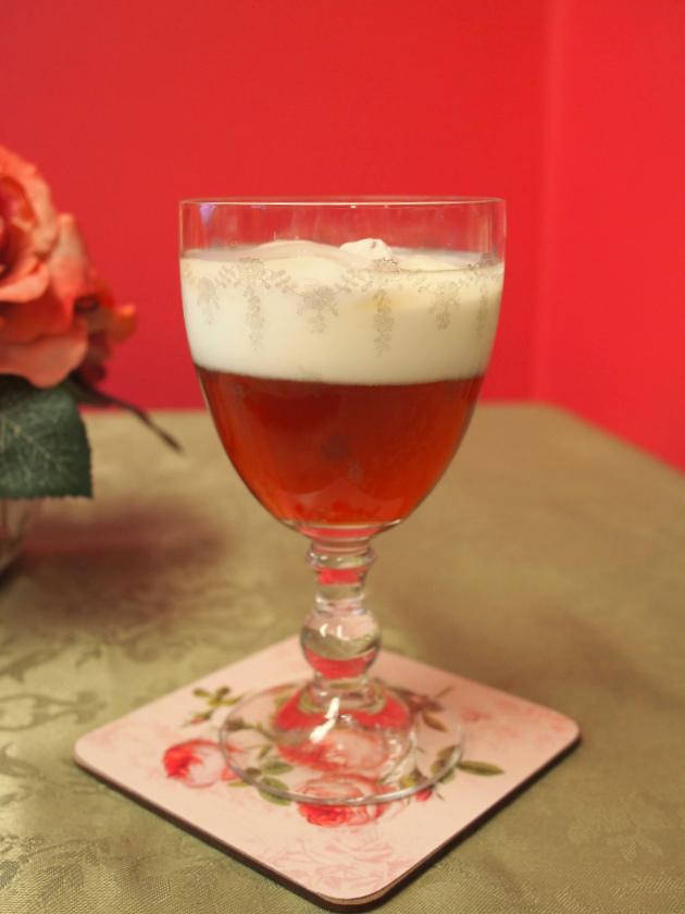 セパレートアイスミルクティーを淹れても可愛らしいです。