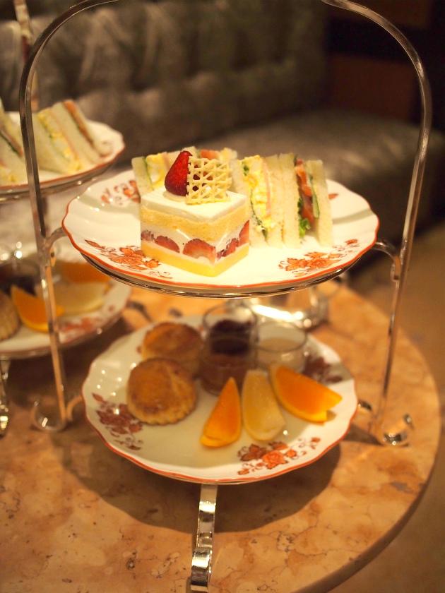 第一ホテル東京のアフタヌーンティーのケーキスタンド