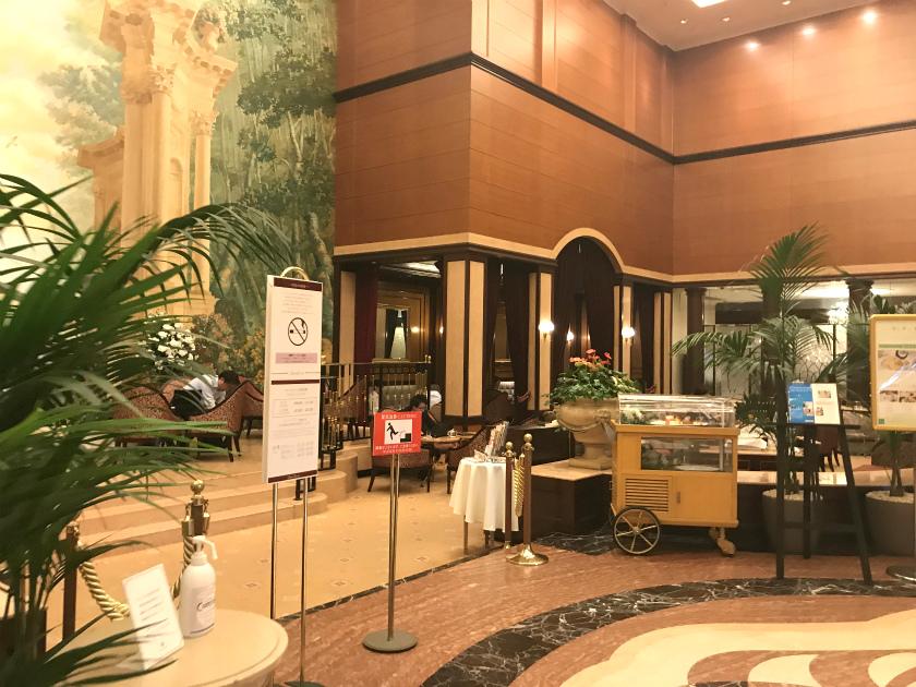 第一ホテル東京のロビーラウンジのエントランス