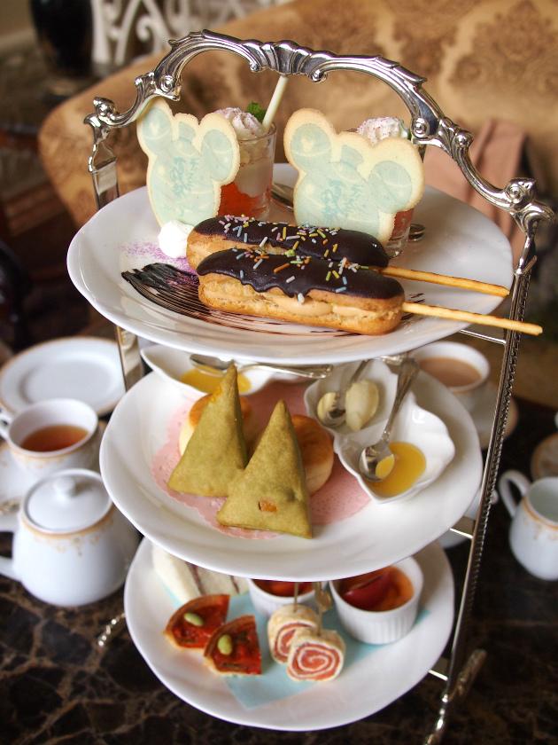 東京ディズニーランドホテルの夏祭りアフタヌーンティーのケーキスタンド