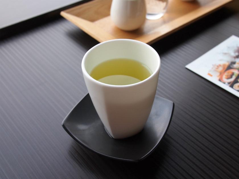 和菓子の時は緑茶にしました。