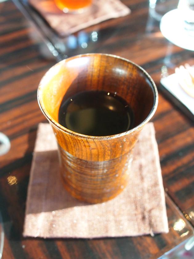 こちらはお煎茶。ほうじ茶もいただきました。日本茶はどちらも美味しかったです。
