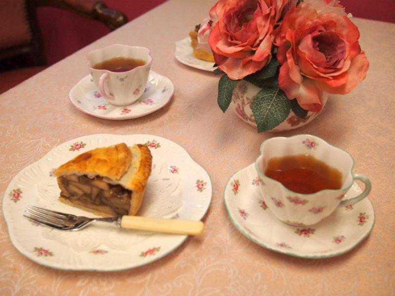 パブリックスイーツ タルト&パイのアップルパイと紅茶