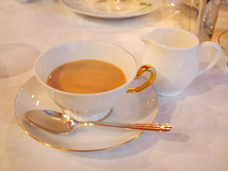 資生堂パーラー オリジナル ブレンドティーはミルクティーにしても美味しかったです。
