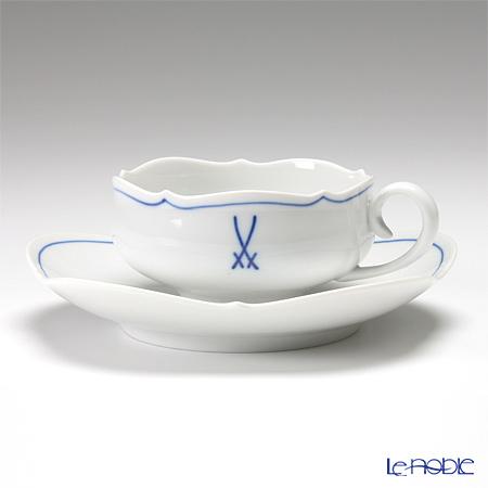 グローサー・アウスシュニットシェイプのカップ&ソーサー