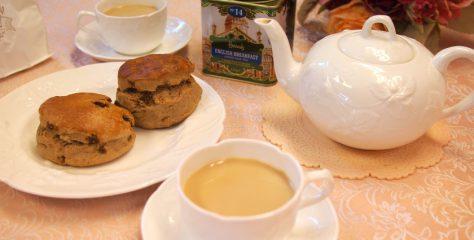 <お菓子と紅茶のマリアージュ>デバラベーカリーのシナモンいちじくスコーンに合う紅茶は?