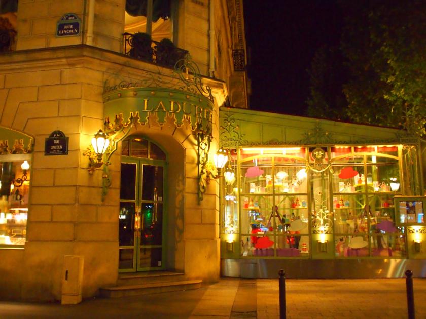 ラデュレ シャンゼリゼ店