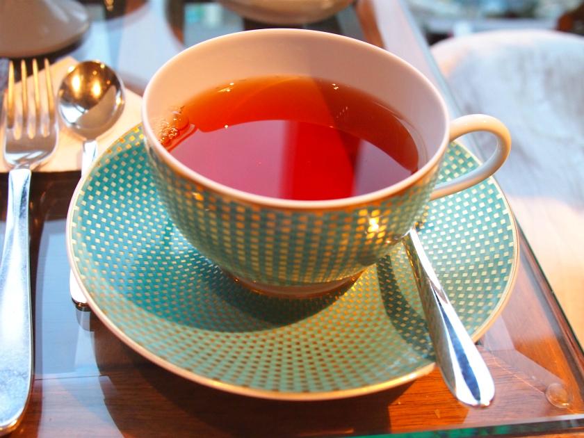 こちらはエキゾチックオーチャード。烏龍茶とプーアル茶のブレンドティーにライチのフレーバーをつけたもの。