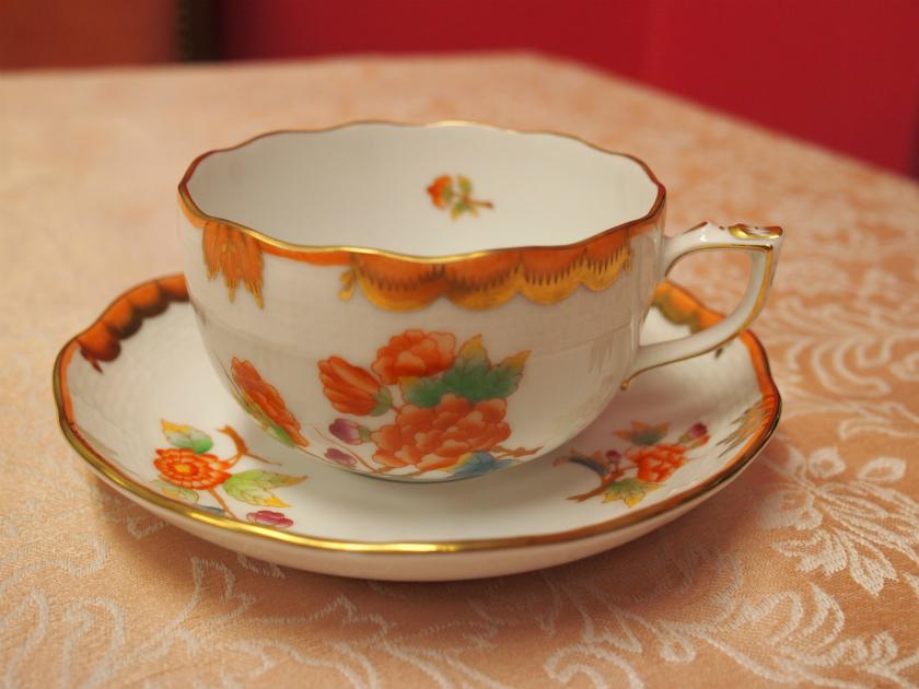ヴィクトリア アニバーサリー ティーカップ&ソーサ