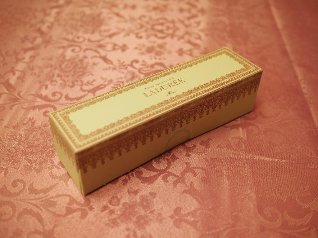 こちらはマカロンのお持ち帰り用のBOX