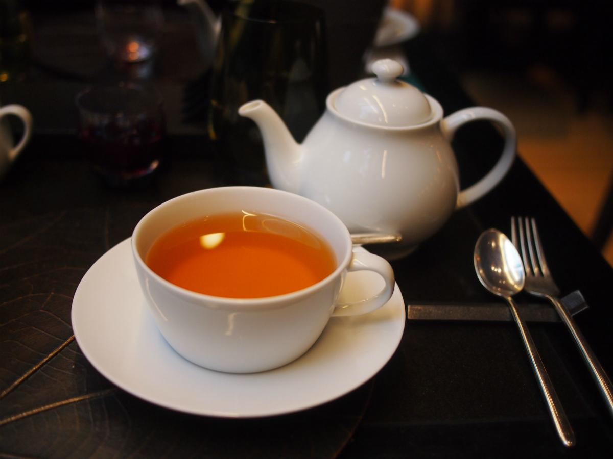 aman-cafe-2017xmas-afternoontea-teaware