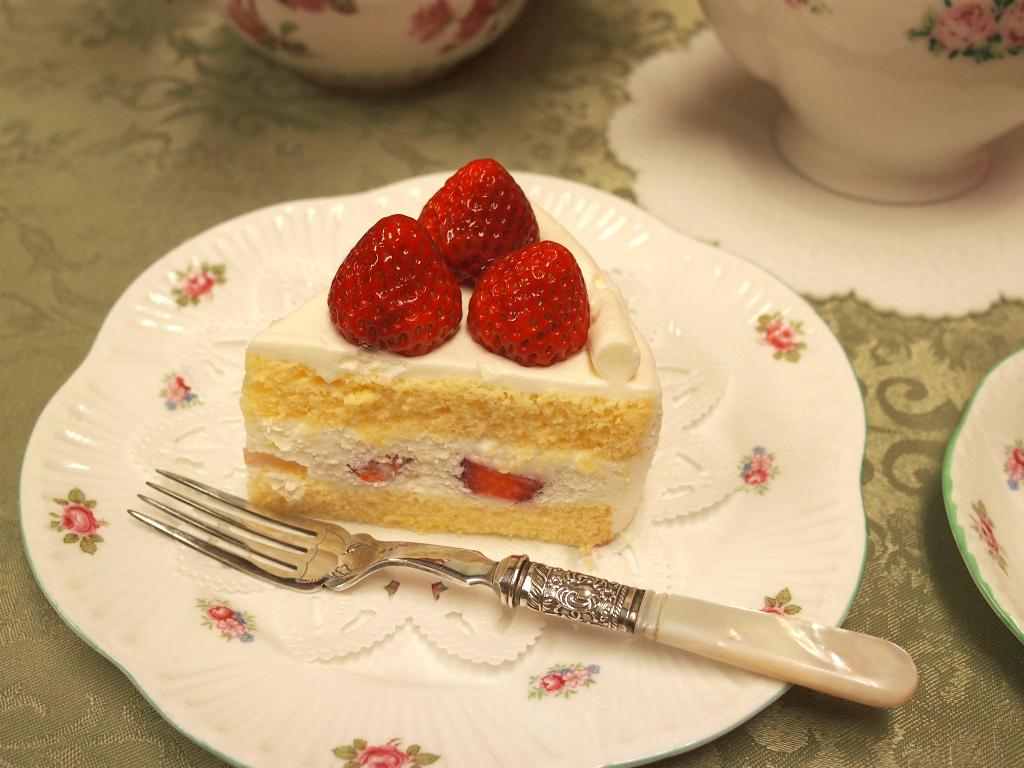 henri-charpentier-shortcake-nilgiri-piece