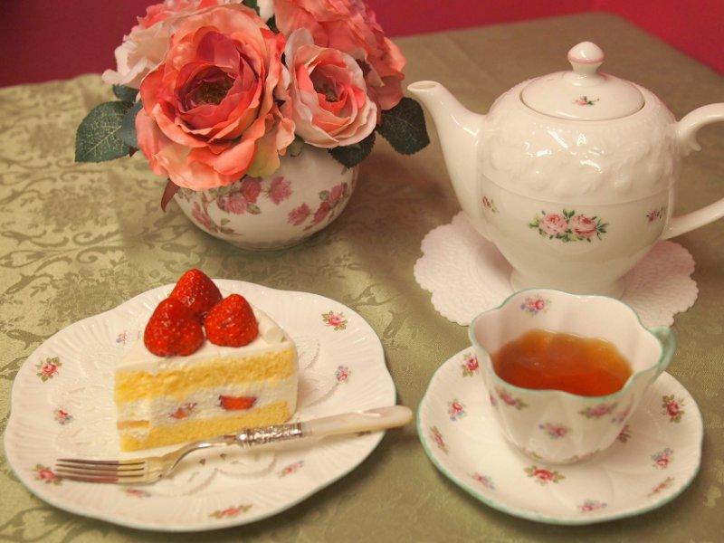 アンリシャルパンティエのショートケーキと紅茶