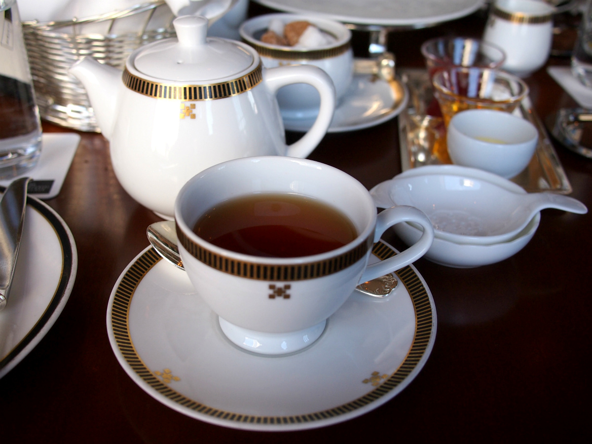 imperial-aqua-2017xmas-afternoontea-teaware2
