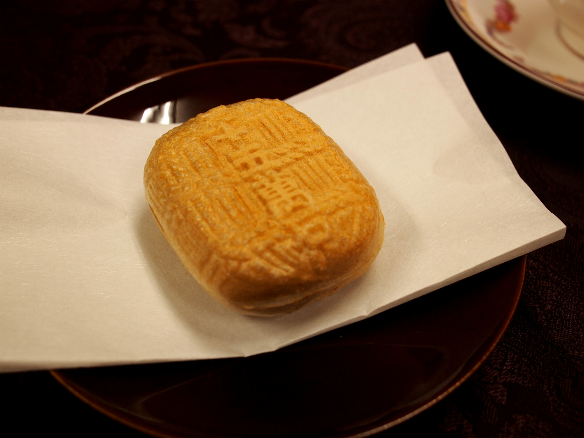 「彦根三十五万石」は「菓心おおすが」の看板商品で 全国菓子博で名誉総裁賞を受賞した銘菓です。