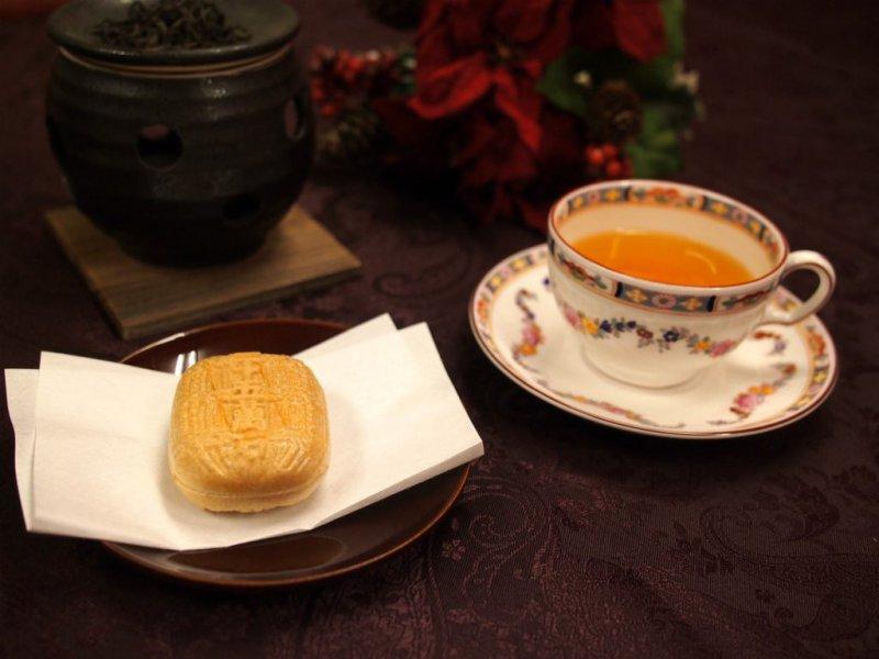 菓心おおすがの最中「三十五万石」と紅茶