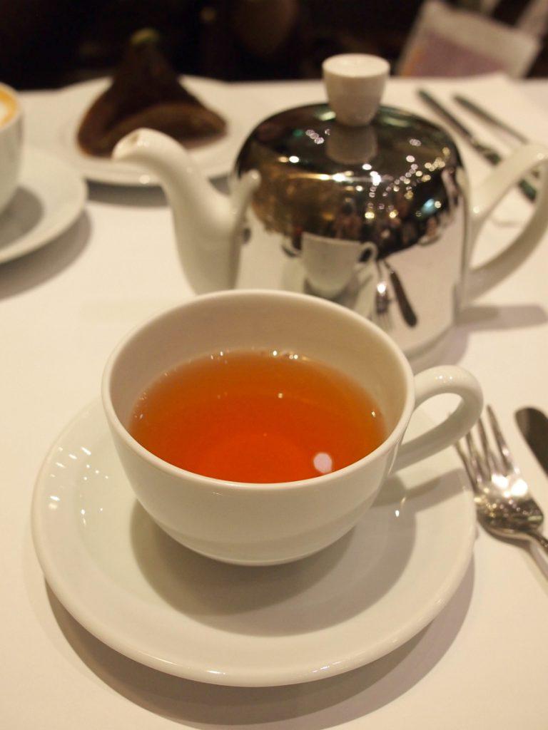 こちらは「JPHメランジェ」セイロン紅茶にラプサンスーチョンを少しブレンドした紅茶。