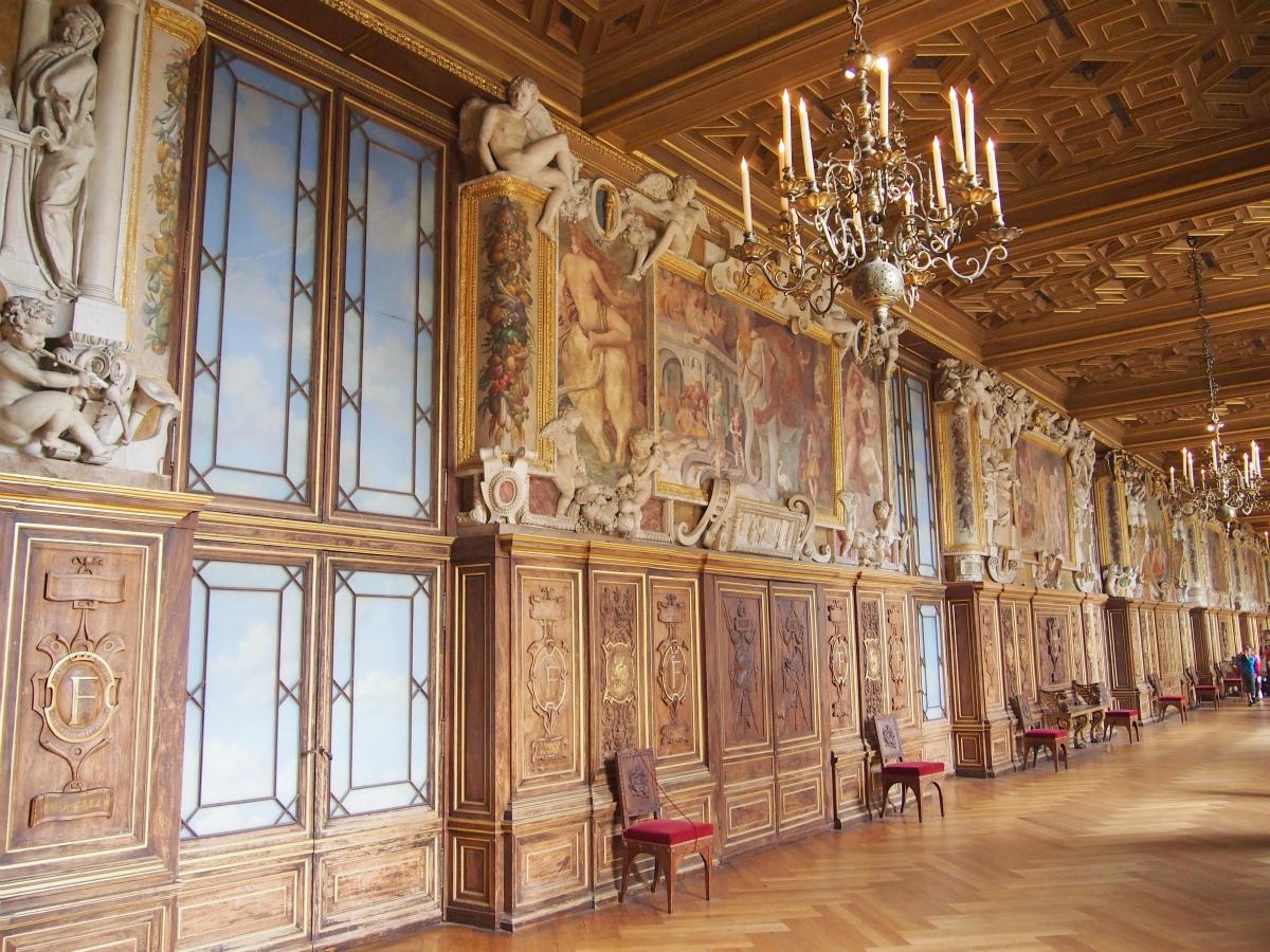 こちらはフランソワ1世(1494-1547)の回廊。1528年に作られました。
