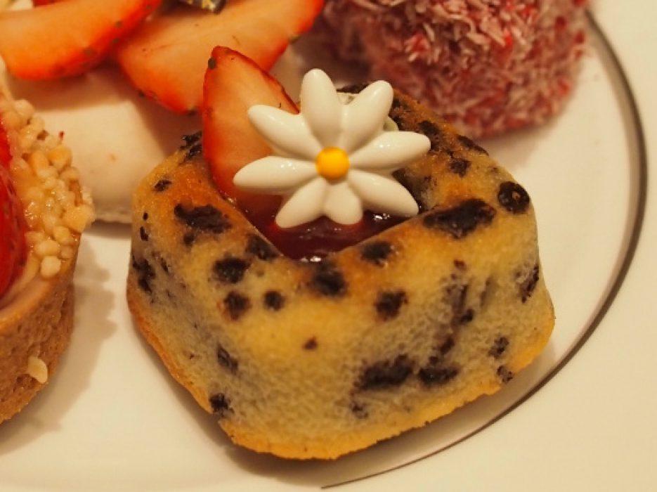 こちらは苺とチョコレートのティグライケーキ。チョコレートと苺の組み合わせがたまななく美味しかったです。