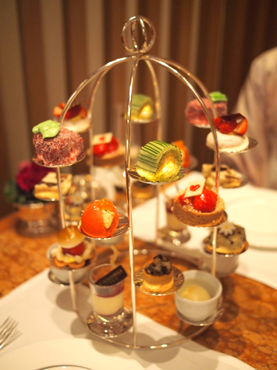 peninsula-2018strawberry-afternoontea2