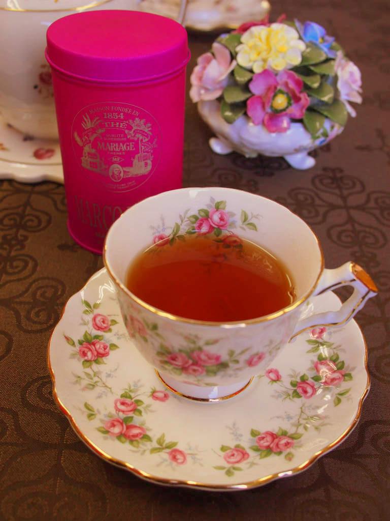茶葉は黒いけど、紅茶の水色(すいしょく)は明るい色です。マルコポーロはチーズケーキに合う紅茶だと思っています。