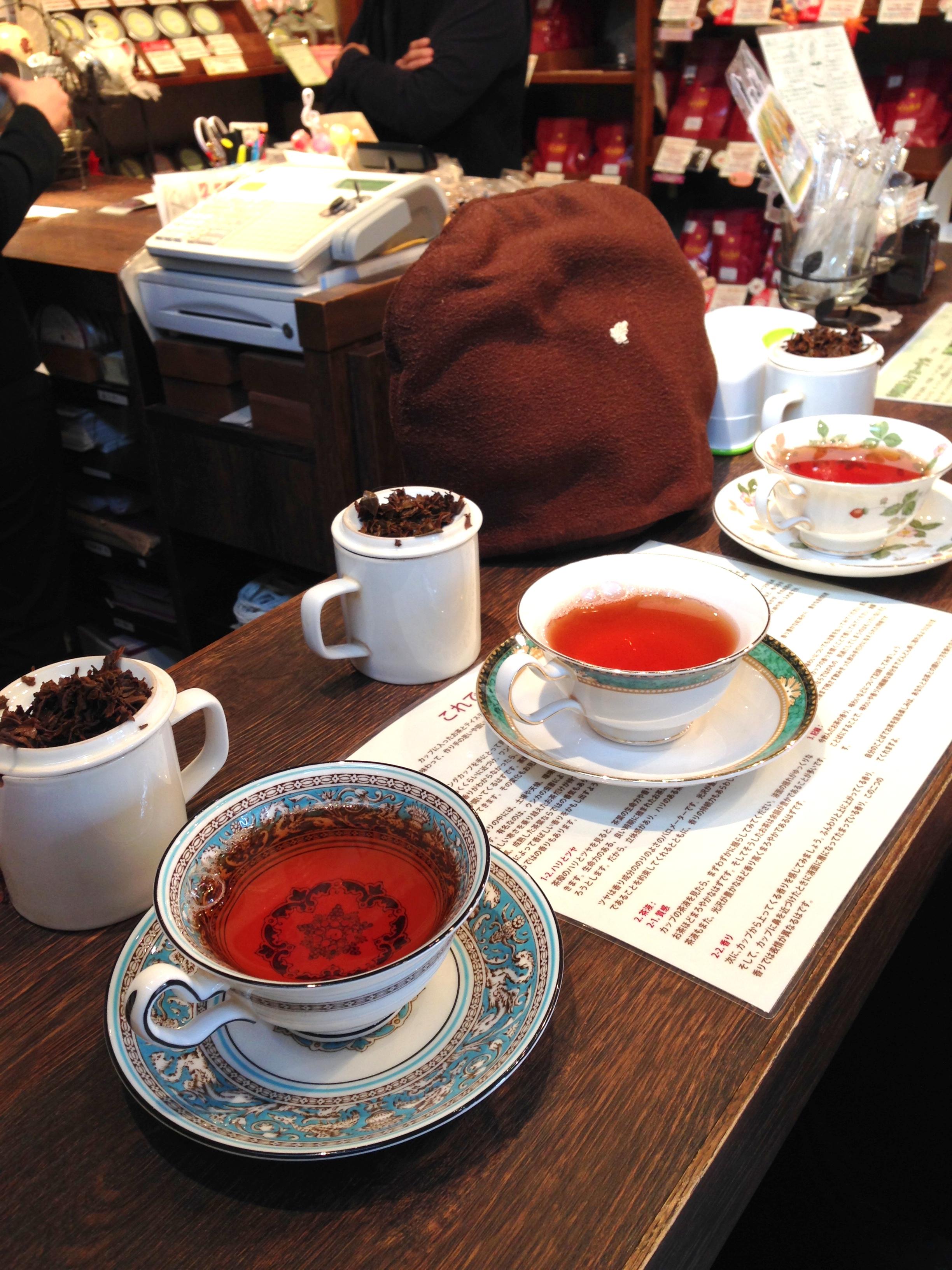 紅茶の試飲のカップがウェッジウッドなのも紅茶好きとしては嬉しい限りです。