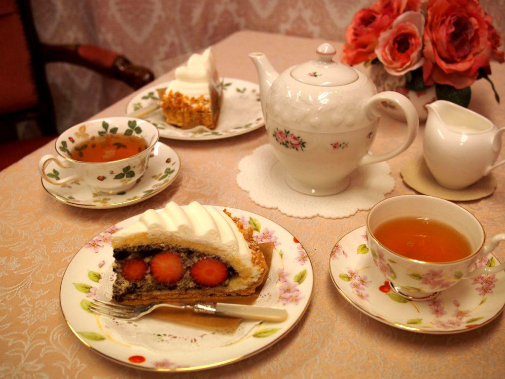 ア・ラ・カンパーニュの「フレーズ・ダムール」と紅茶