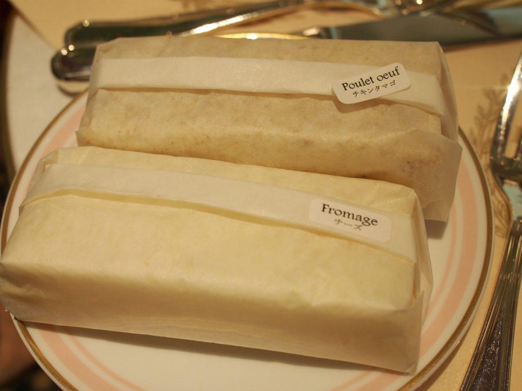 ラデュレのサンドウィッチは紙にくるまれているので、乾きにくいところがいいです。