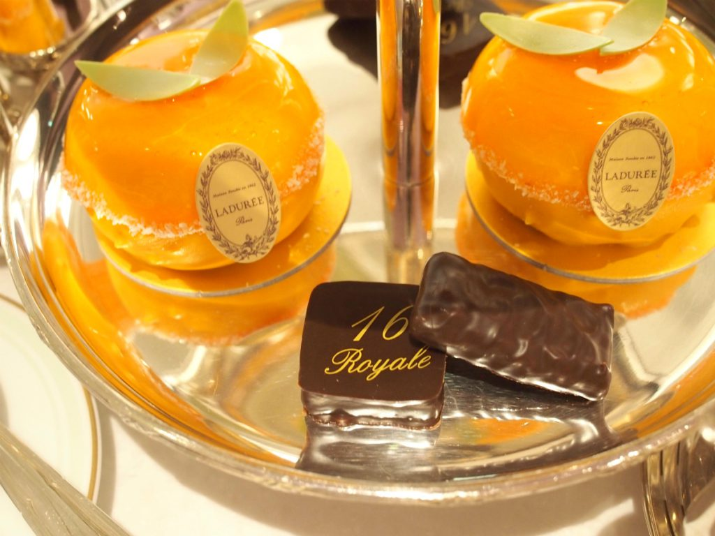 laduree aoyama afternoontea sweets