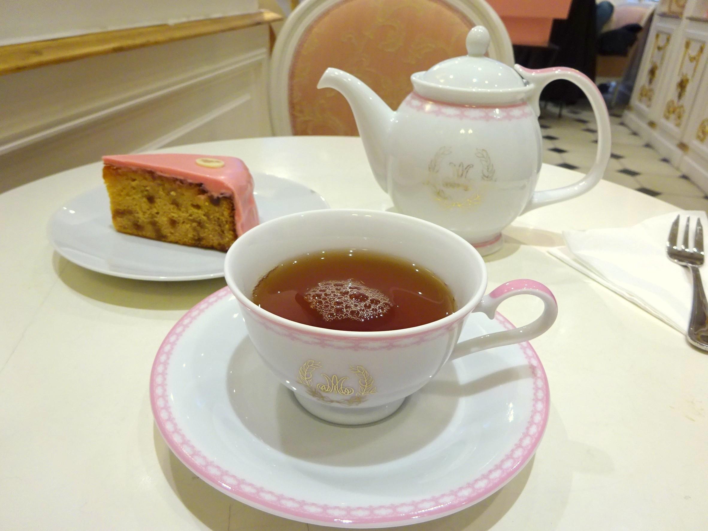 マリーアントワネットケーキと紅茶