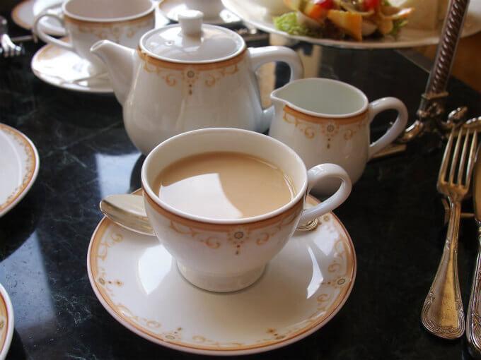 セイロンはストレートでもミルクティーでも美味しい紅茶。
