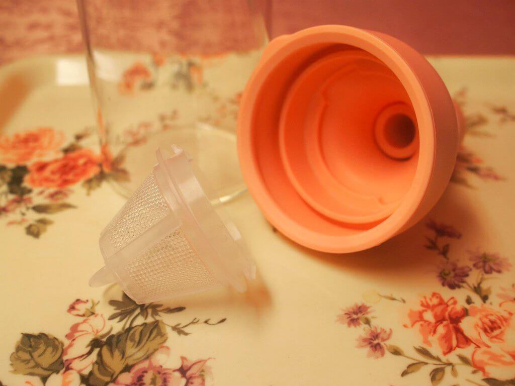 フィルターは蓋から取り外せるので、洗う時に便利。