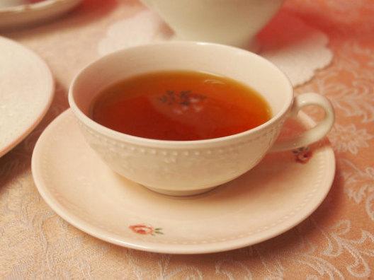 キャンディは水色がキレイな紅茶です。