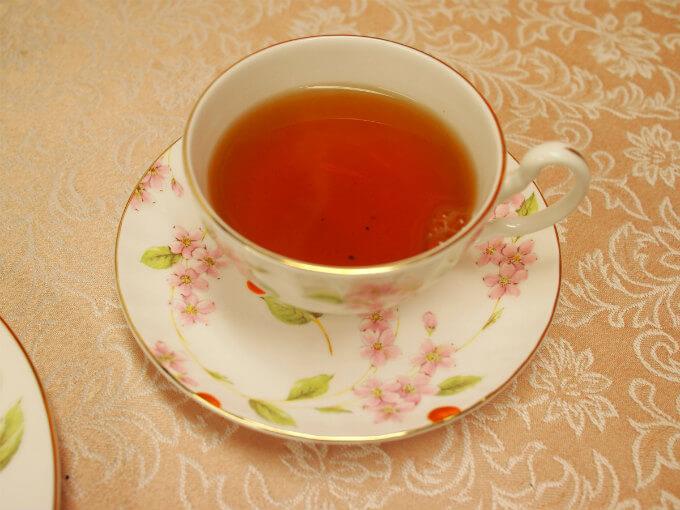 水色(すいしょく)は澄んだきれいなオレンジ色。甘みを感じるマイルドなディンブラです。