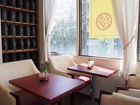 東京のパレデテはベトナム料理屋のお店に併設されていて、フォーなどを食べることも出来ます。