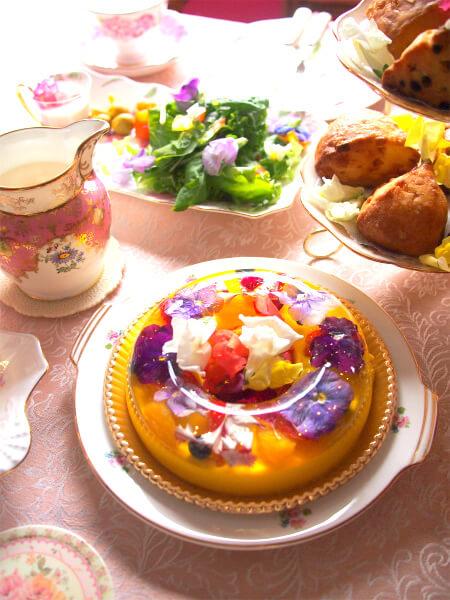 ブーケの名にふさわしい華やかなババロアです。