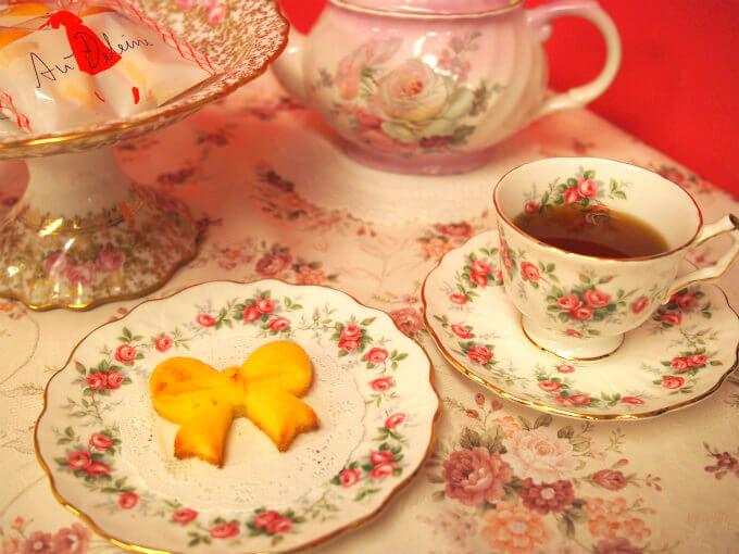 オードリーのオードレーヌと紅茶