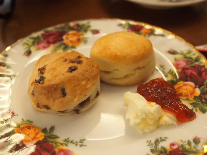 berrys_tearoom afternoontea scone1