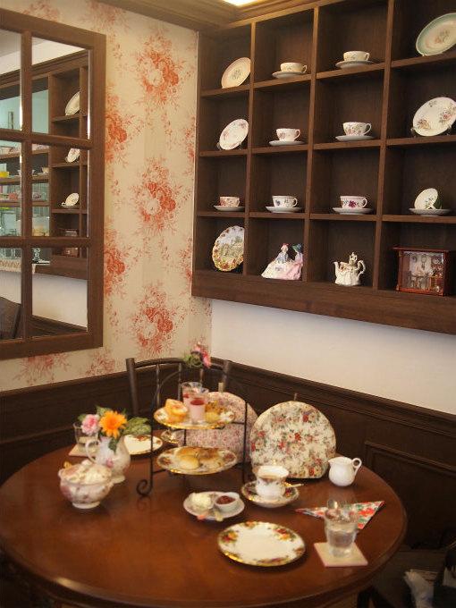 berrys_tearoom interior2